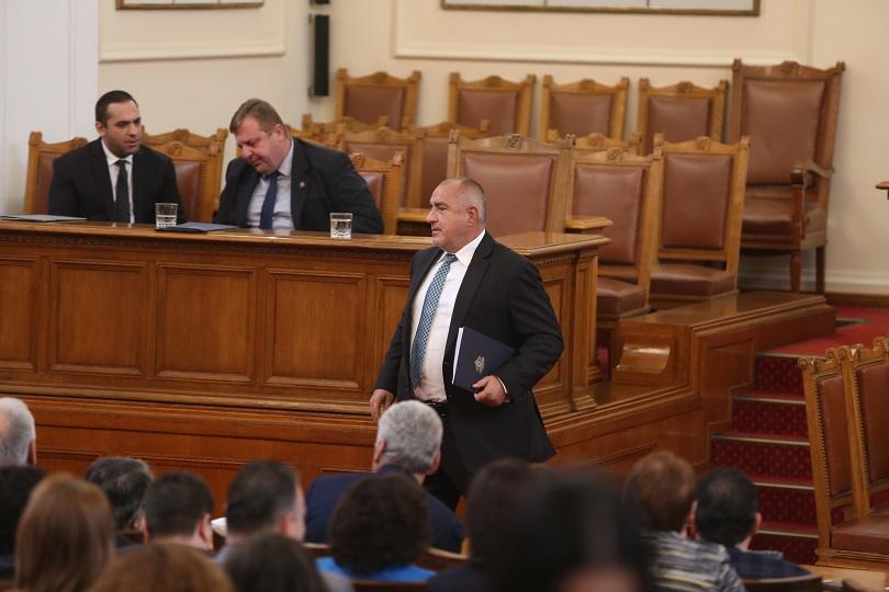 Спор между премиера Бойко Борисов и лидера на БСП Корнелия