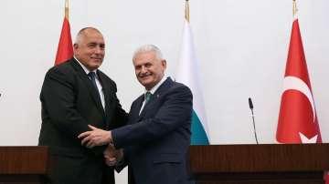 Бойко Борисов разговаря в Измир с Бинали Йълдъръм