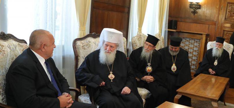 Заплатите на духовниците от основните религии ще се изравнят с