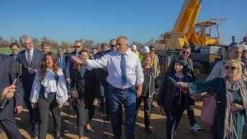 Премиерът инспектира напредъка по изграждането на газовата връзка с Гърция