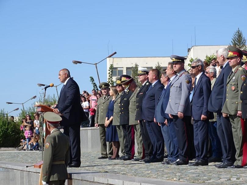 Премиерът Бойко Борисов присъства на ритуала по полагане на военна