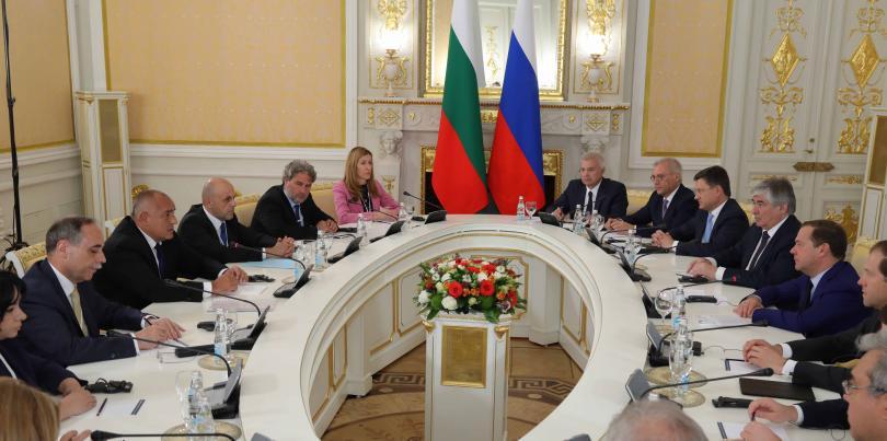 снимка 3 Борисов и Медведев обсъдиха задълбочаване на икономическите отношения