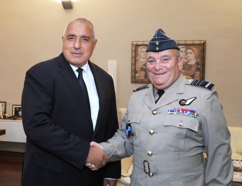 Премиерът се срещна с председателя на Военния комитет на НАТО