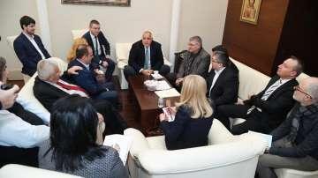 Започна срещата на премиера Борисов с представители на превозвачите