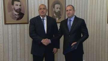 Президентът връчи мандат на ГЕРБ за съставяне на правителство