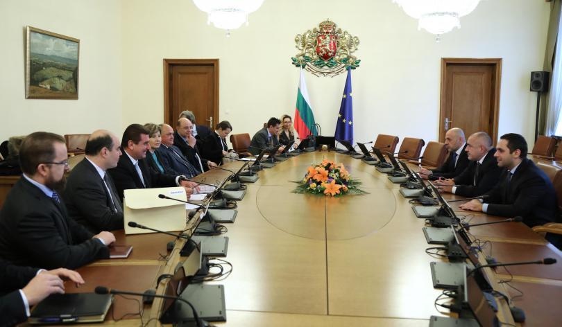 Министър-председателят Бойко Борисов провежда среща с представители на Българската петролна