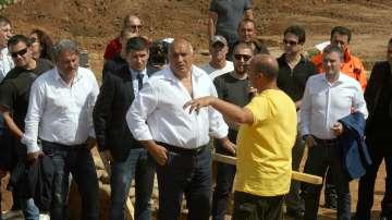 """Премиерът даде срок от месец и половина ще се мести ли трасето на АМ """"Струма"""""""