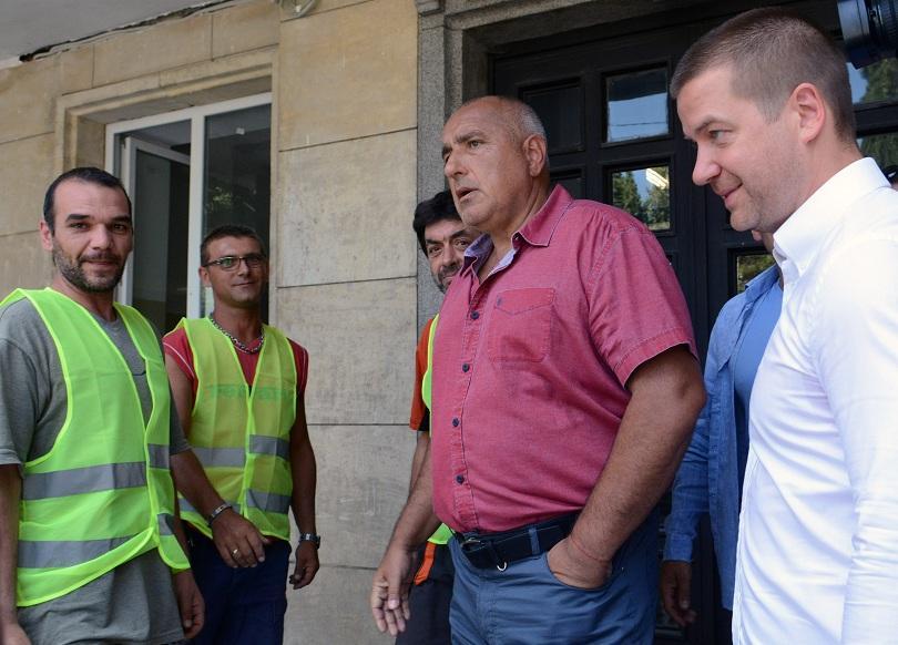 Премиерът Борисов свиква среща с финансовия министър и председетеля на