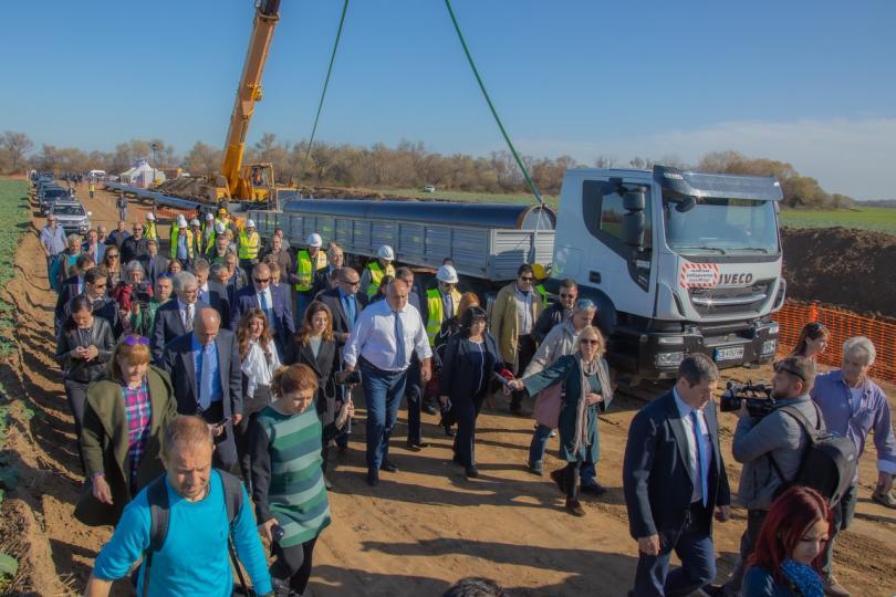 снимка 2 Премиерът инспектира напредъка по изграждането на газовата връзка с Гърция