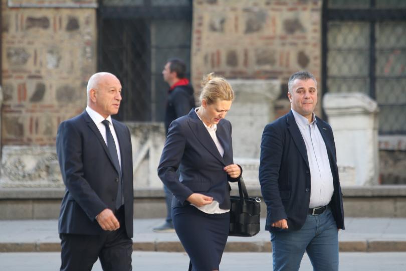 снимка 5 Започна срещата в президентството за двустранните отношения със Скопие (СНИМКИ)