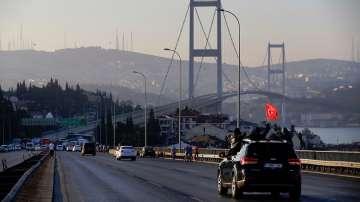 Първият мост над Босфора бе частично отворен за движение