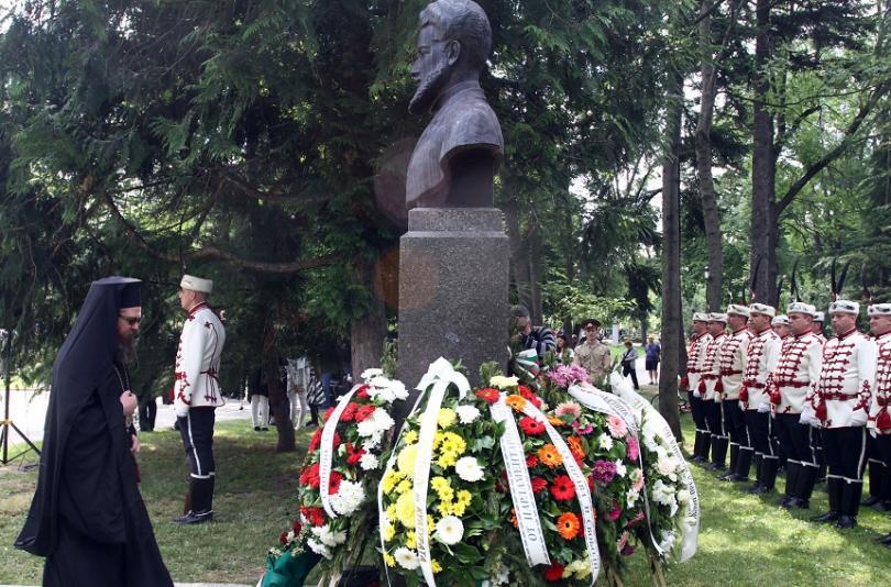 снимка 1 България се преклони пред подвига на Христо Ботев и загиналите за свободата