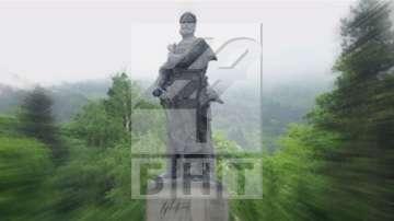 България скланя глава пред героите си