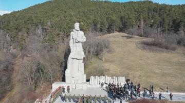 България почете 172 години от рождението на Христо Ботев