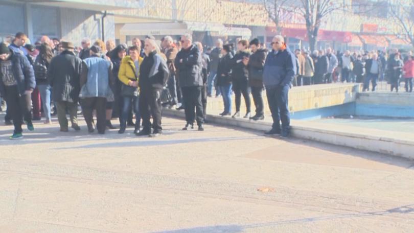 Жителите на града излязоха мирно, за да подкрепят кмета на