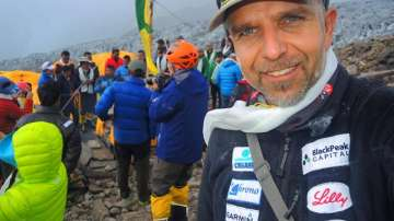 Алпинистът Боян Петров е с опасност за живота след катастрофа