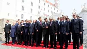 Лидерите след срещата в Братислава: ЕС трябва да се защити и продължи