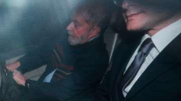 Бившият бразилски президент Лула да Силва не се предаде на полицията