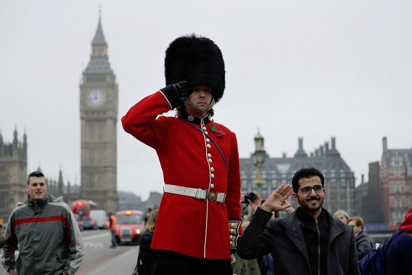 Британските министри са съставили планове за изпращане на армията да