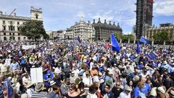 Около 100 000 души в Лондон протестираха срещу Брекзит