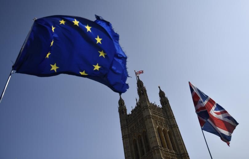 Британският министър-председател Тереза Мей свика заседание на кабинета, след като