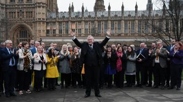 Сделката за Брекзит влиза в британския парламент в петък