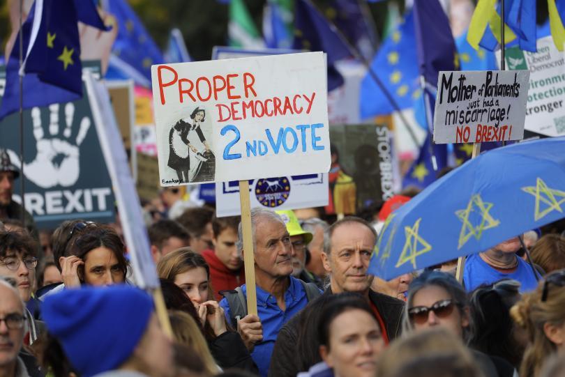 Снимка: Многохилядни протести на Острова с искане за нов референдум за Брекзит