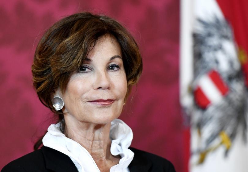 Политическата въртележка във Виена изненада очакванията - конституционният съдия Бригите