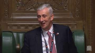Линдзи Хойл е новият председател на британската Камара на общините