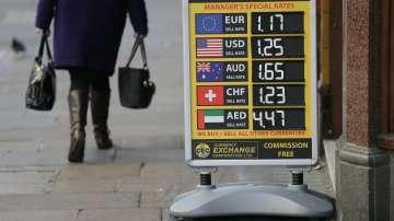 Еврото засега удържа на несигурността