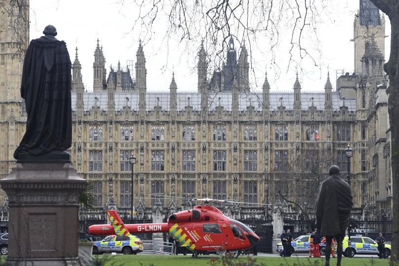 снимка 2 Стрелба пред британския парламент