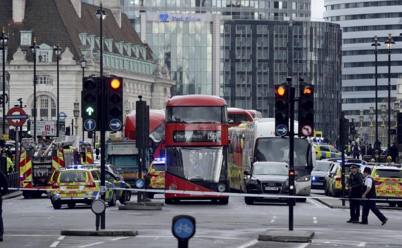 снимка 4 Стрелба пред британския парламент