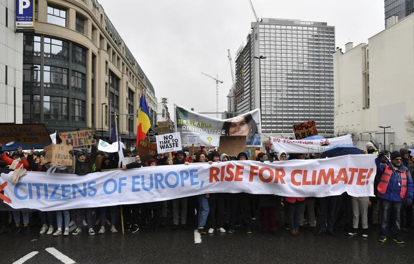 мащабен протест брюксел искания повече действия защита климата