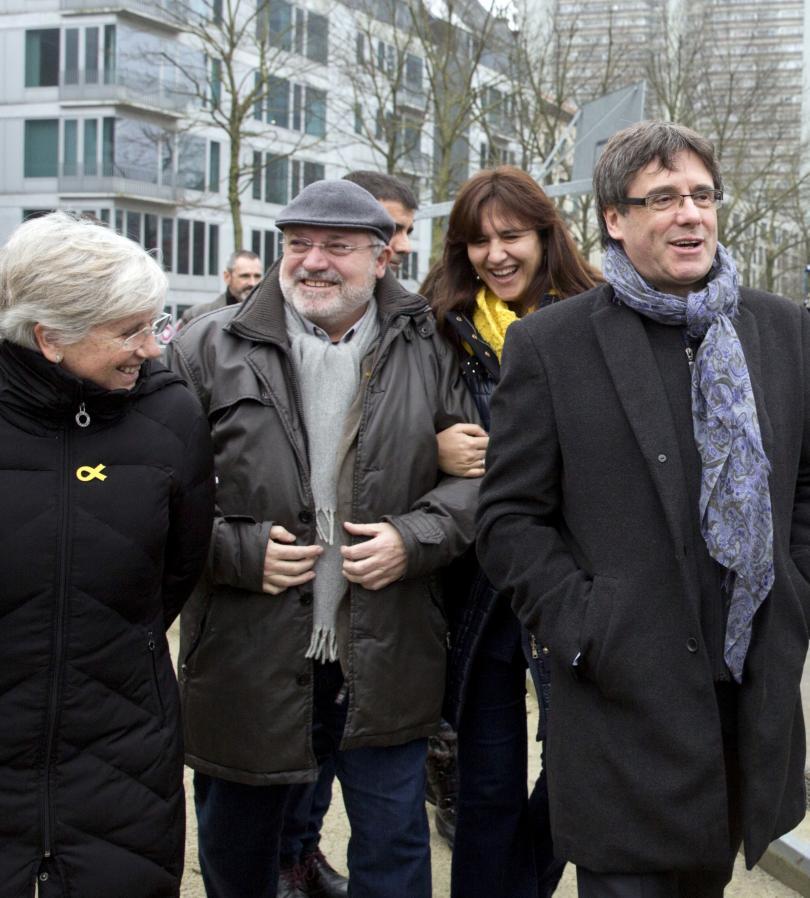 снимка 2 Започна първото заседание на новия Каталунски парламент
