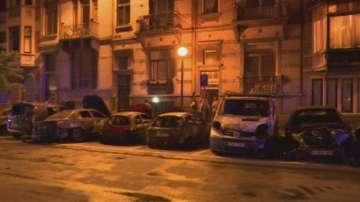 Пожар изпепели до основи 8 автомобила в предградие на Брюксел