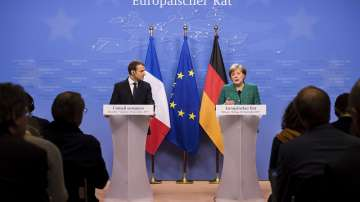 Макрон и Меркел приветстваха размяната на пленници в Украйна