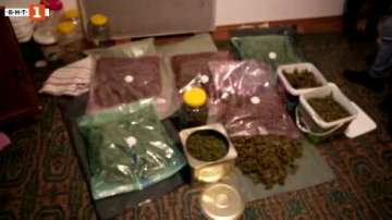 Откриха дрога за над 300 000 лв в дома на мъж от Бургас