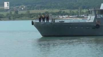 Екипажът на Дръзки реагирал бързо при катастрофата на хеликоптера в Черно море
