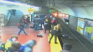 Бързата реакция на минувачи спаси жена в станция на метрото в Буенос Айрес