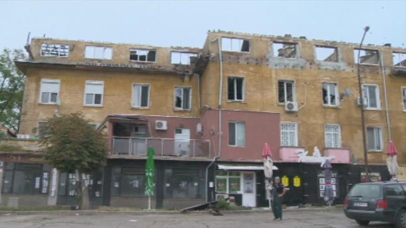 Напълно е потушен пожарът в жилищната сграда в град Бухово