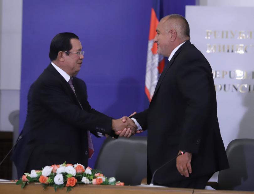 За разширяване на политическия и икономически диалог между двете страни
