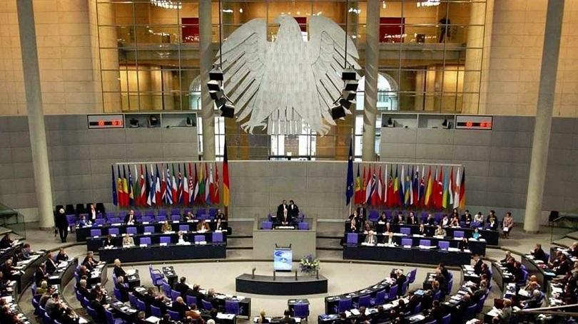 Германският Бундестаг даде зелена светлина на спорния проект за пътни такси
