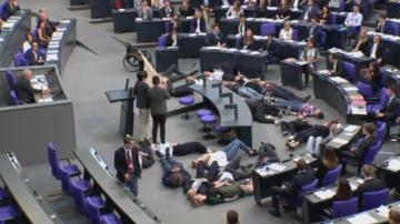 Протест на екоактивисти в Бундестага