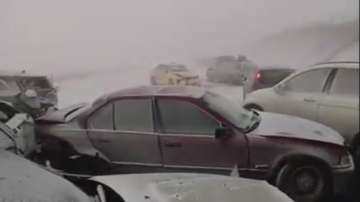 Снежен ад блокира десетки коли на АМ Тракия в Бургаско