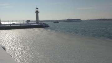 Лед скова морето и няколко реки