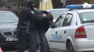 След спецакцията в Бургас: Двама са с повдигнати обвинения за кражби