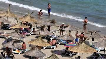 Туристическият бранш очаква септември да спаси сезона край морето тази година