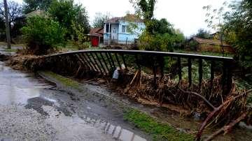Експерти: Приливната вълна в Бураско не е от язовирите