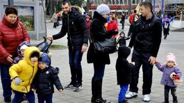 Родители от Бургас излязоха на протест срещу агресията в детските градини