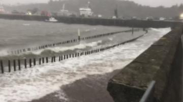 Буря от Атлантическия океан удря до часове Европа